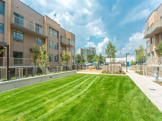 Condo Townhouse at 90 Orchid Place Dr, Unit 304, Toronto, Ontario. Image 11