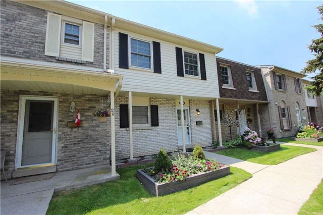 Condo Townhouse at 580 Eyer Dr, Unit 30, Pickering, Ontario. Image 1