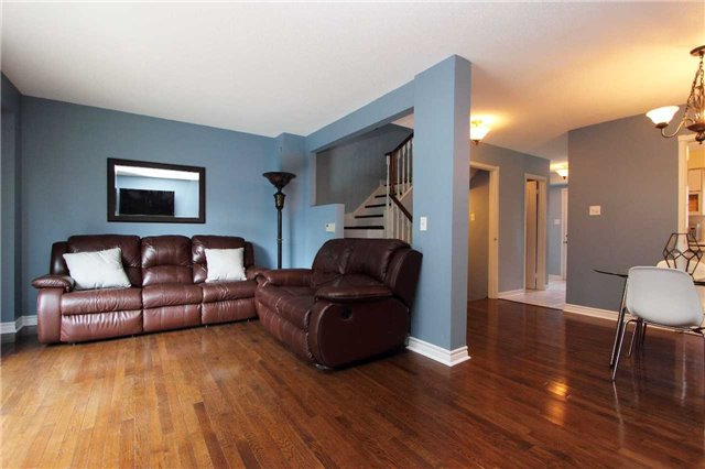 Condo Townhouse at 580 Eyer Dr, Unit 30, Pickering, Ontario. Image 16