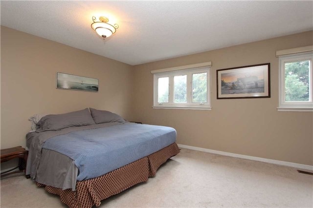 Condo Townhouse at 580 Eyer Dr, Unit 30, Pickering, Ontario. Image 17