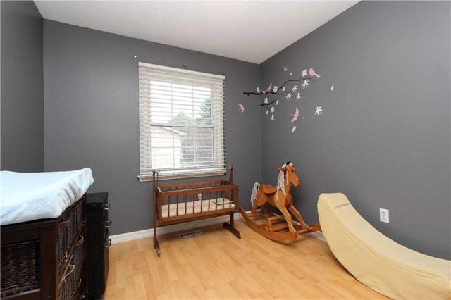 Condo Townhouse at 580 Eyer Dr, Unit 30, Pickering, Ontario. Image 3