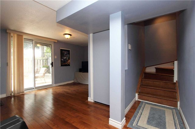 Condo Townhouse at 580 Eyer Dr, Unit 30, Pickering, Ontario. Image 6