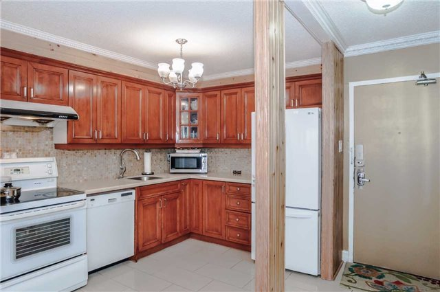 Condo Apartment at 4091 Sheppard Ave E, Unit 701, Toronto, Ontario. Image 10