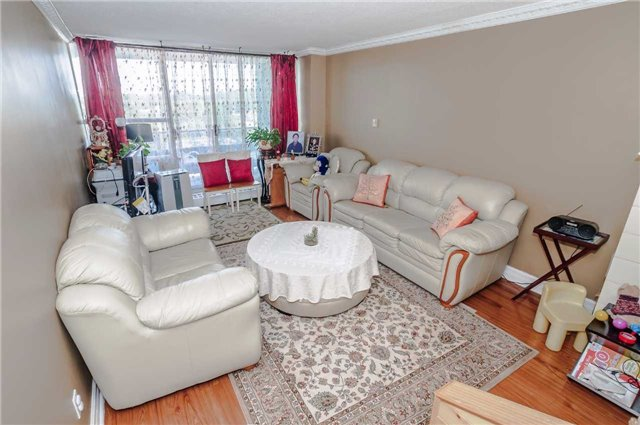 Condo Apartment at 4091 Sheppard Ave E, Unit 701, Toronto, Ontario. Image 13
