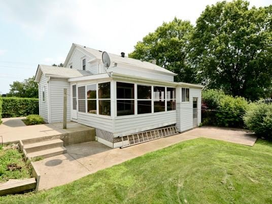 Detached at 4722 Old Simcoe St, Oshawa, Ontario. Image 13