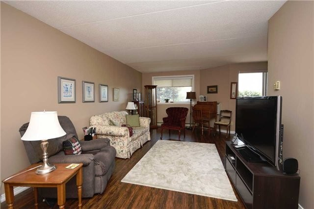 Condo Apartment at 144 Queen St, Unit 406, Clarington, Ontario. Image 13