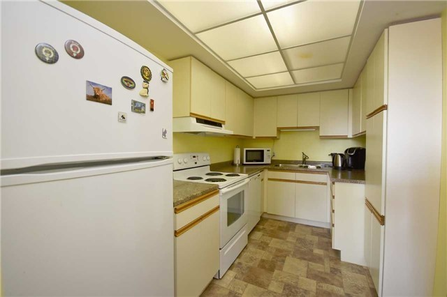 Condo Apartment at 144 Queen St, Unit 406, Clarington, Ontario. Image 16