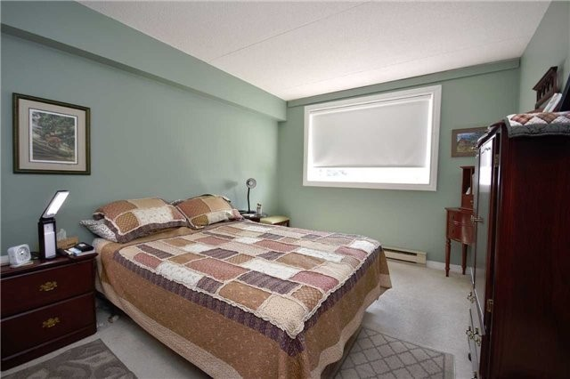 Condo Apartment at 144 Queen St, Unit 406, Clarington, Ontario. Image 3