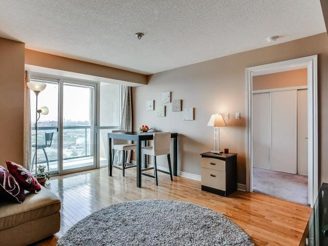 Condo Apartment at 125 Omni Dr, Unit 2029, Toronto, Ontario. Image 12
