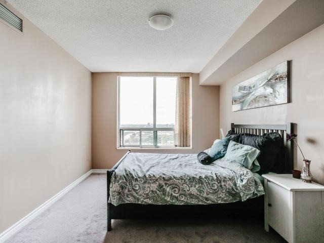Condo Apartment at 125 Omni Dr, Unit 2029, Toronto, Ontario. Image 3