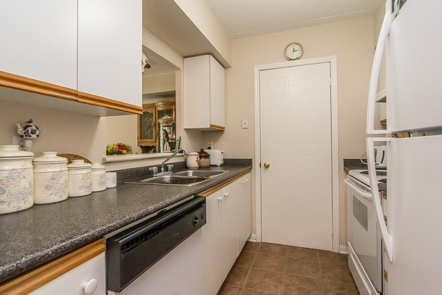 Condo Apartment at 95 Wellington St, Unit 111, Clarington, Ontario. Image 15