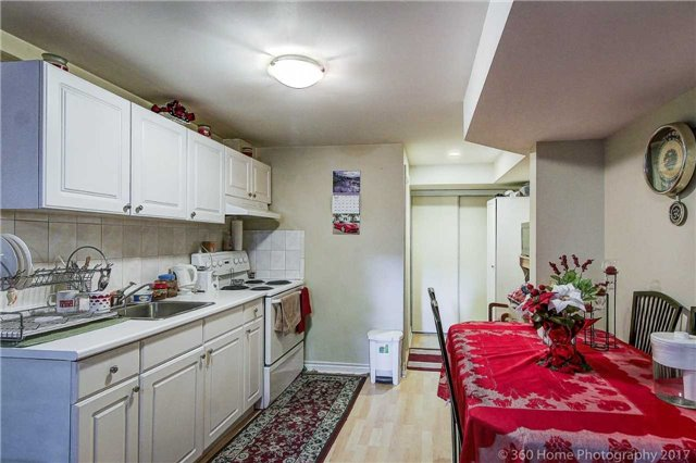Detached at 20 Orleans Dr, Toronto, Ontario. Image 14