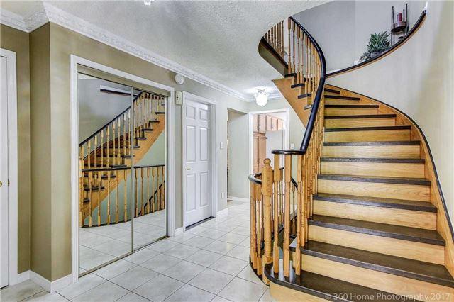 Detached at 20 Orleans Dr, Toronto, Ontario. Image 16
