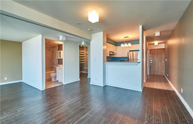 Condo Apartment at 11 Lee Centre Dr, Unit Ph309, Toronto, Ontario. Image 7