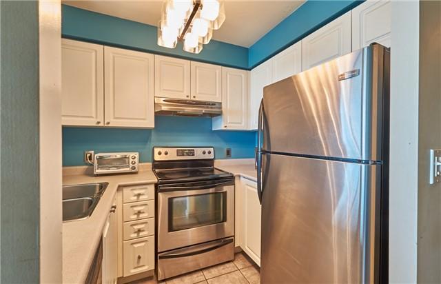 Condo Apartment at 11 Lee Centre Dr, Unit Ph309, Toronto, Ontario. Image 8