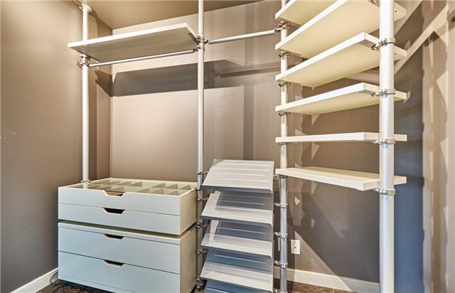 Condo Apartment at 11 Lee Centre Dr, Unit Ph309, Toronto, Ontario. Image 10
