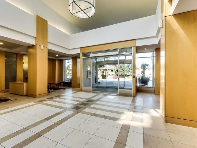 Condo Apartment at 8 Mondeo Dr, Unit 621, Toronto, Ontario. Image 10