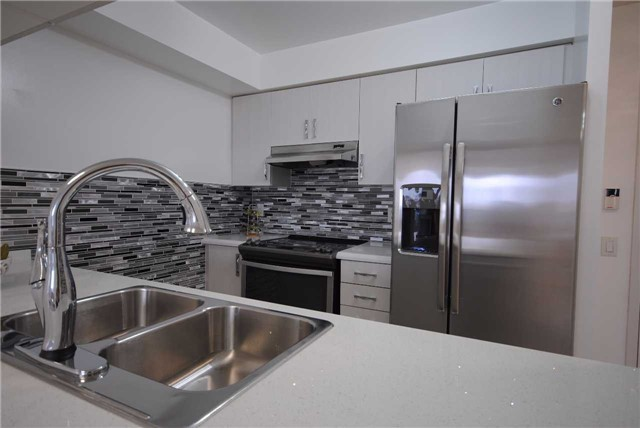 Condo Apartment at 8 Mondeo Dr, Unit 621, Toronto, Ontario. Image 16