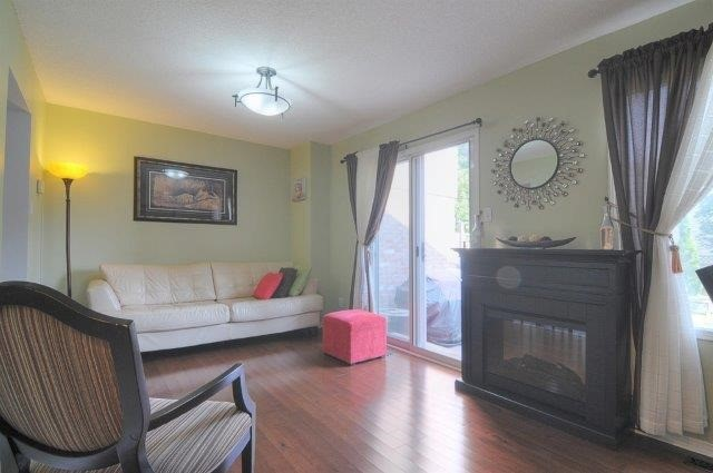 Townhouse at 113 Timber Mill Ave, Whitby, Ontario. Image 20