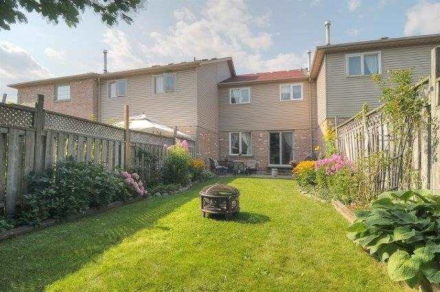 Townhouse at 113 Timber Mill Ave, Whitby, Ontario. Image 13