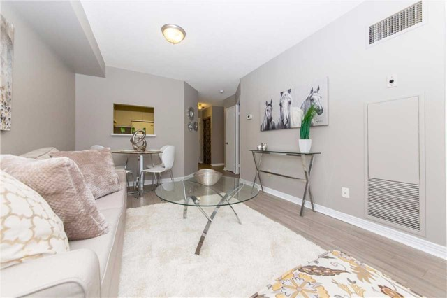 Condo Apartment at 711 Rossland Rd, Unit 703, Whitby, Ontario. Image 15