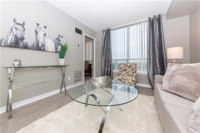 Condo Apartment at 711 Rossland Rd, Unit 703, Whitby, Ontario. Image 16