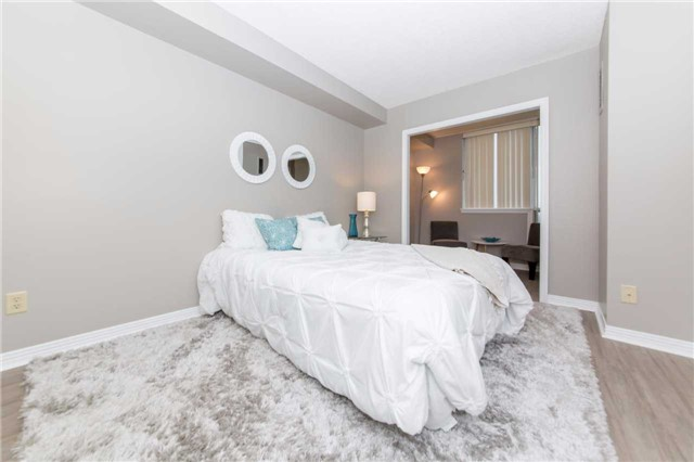 Condo Apartment at 711 Rossland Rd, Unit 703, Whitby, Ontario. Image 3