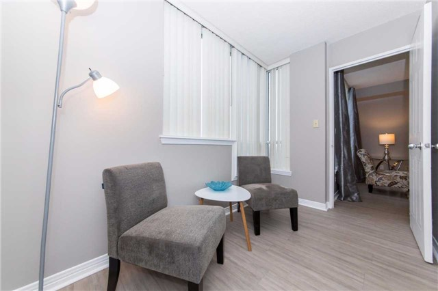 Condo Apartment at 711 Rossland Rd, Unit 703, Whitby, Ontario. Image 7