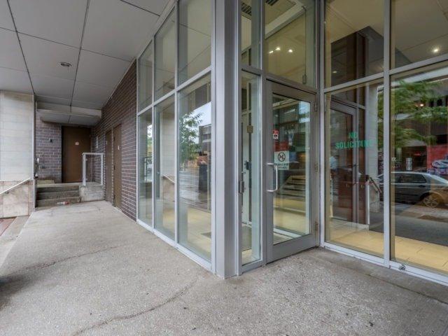 Condo Apartment at 44 Bond St W, Unit 202, Oshawa, Ontario. Image 6