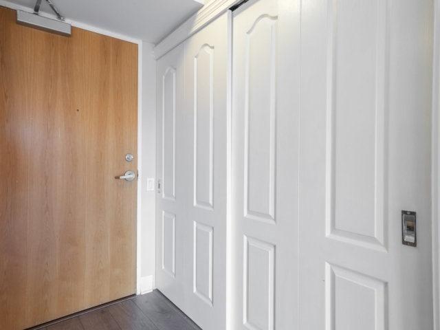 Condo Apartment at 44 Bond St W, Unit 202, Oshawa, Ontario. Image 8