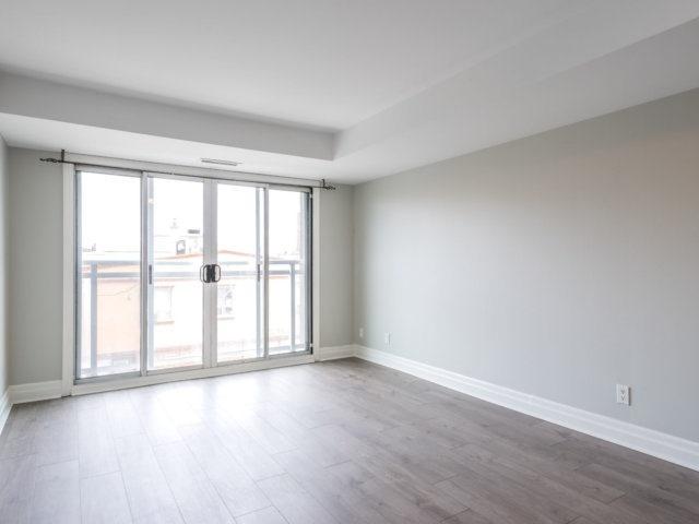 Condo Apartment at 44 Bond St W, Unit 202, Oshawa, Ontario. Image 9