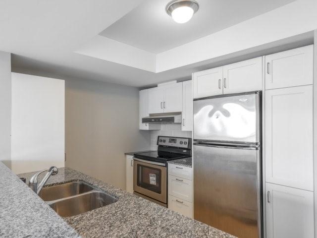 Condo Apartment at 44 Bond St W, Unit 202, Oshawa, Ontario. Image 11
