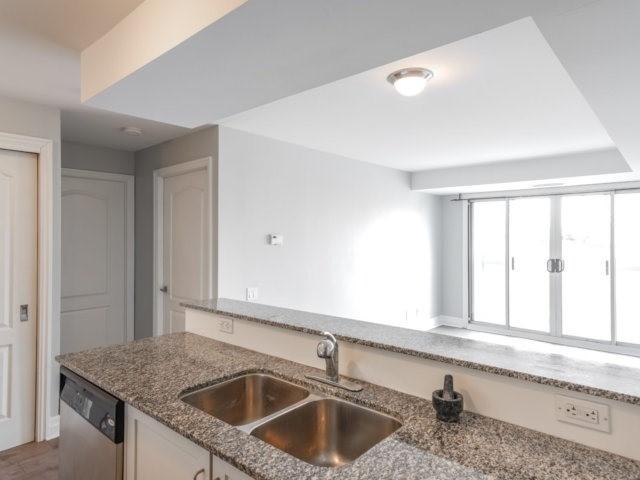 Condo Apartment at 44 Bond St W, Unit 202, Oshawa, Ontario. Image 12