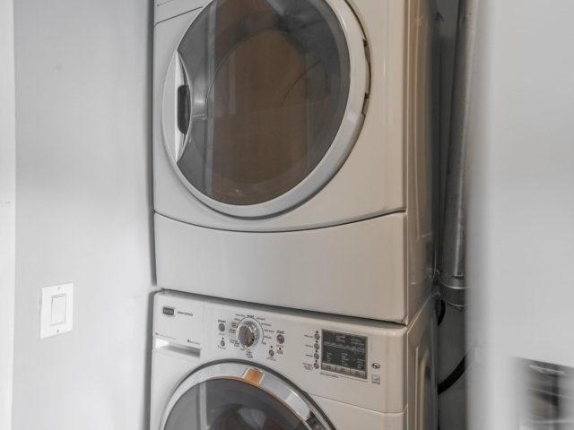 Condo Apartment at 44 Bond St W, Unit 202, Oshawa, Ontario. Image 13