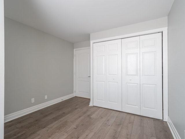 Condo Apartment at 44 Bond St W, Unit 202, Oshawa, Ontario. Image 3