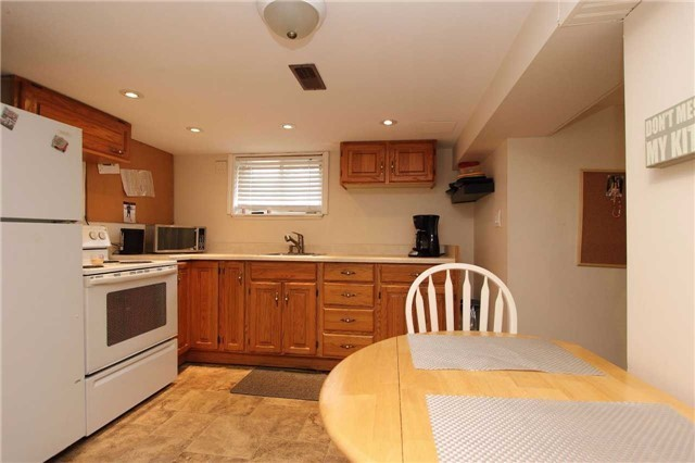 Detached at 123 Johnson Ave, Whitby, Ontario. Image 2