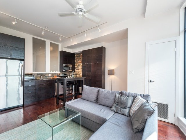 Condo Apartment at 160 Fallingbrook Rd, Unit 406, Toronto, Ontario. Image 17