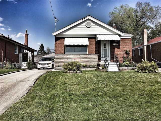 Detached at 983 Warden Ave, Toronto, Ontario. Image 1