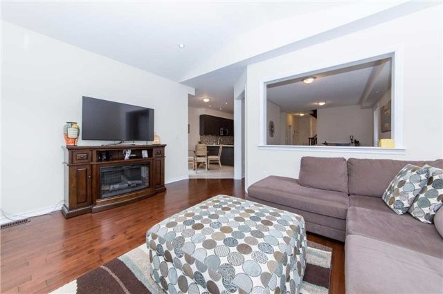 Detached at 47 Shrewsbury Dr, Whitby, Ontario. Image 4