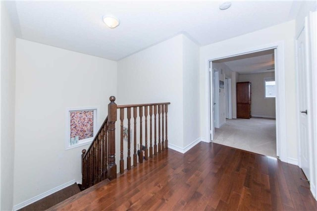 Detached at 47 Shrewsbury Dr, Whitby, Ontario. Image 5