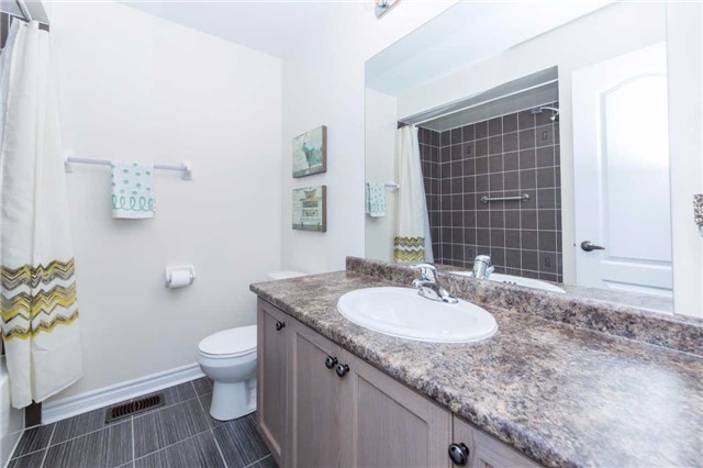 Detached at 47 Shrewsbury Dr, Whitby, Ontario. Image 10