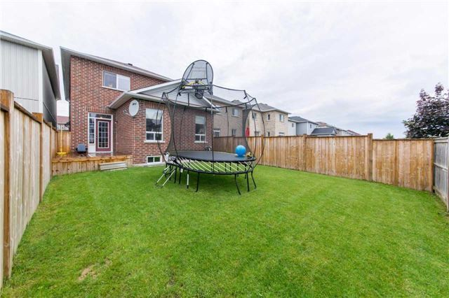 Detached at 47 Shrewsbury Dr, Whitby, Ontario. Image 13