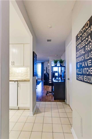 Condo Apartment at 400 Mclevin Ave, Unit 1805, Toronto, Ontario. Image 12