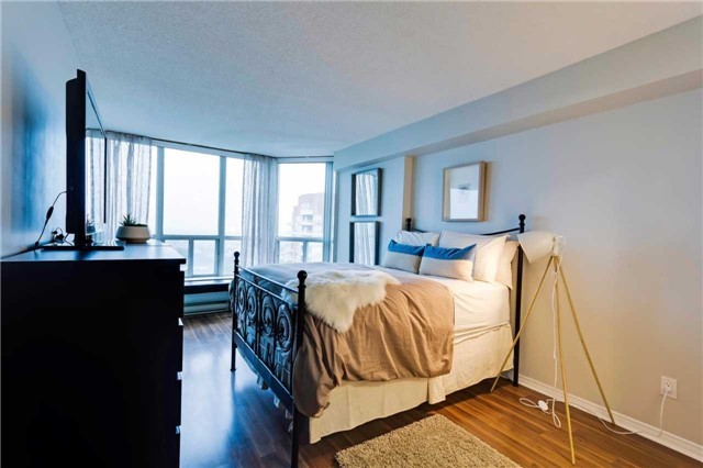 Condo Apartment at 400 Mclevin Ave, Unit 1805, Toronto, Ontario. Image 18