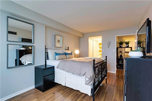 Condo Apartment at 400 Mclevin Ave, Unit 1805, Toronto, Ontario. Image 20