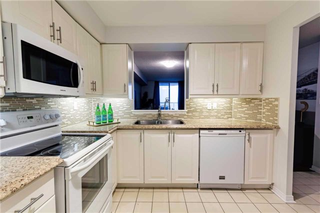Condo Apartment at 400 Mclevin Ave, Unit 1805, Toronto, Ontario. Image 4