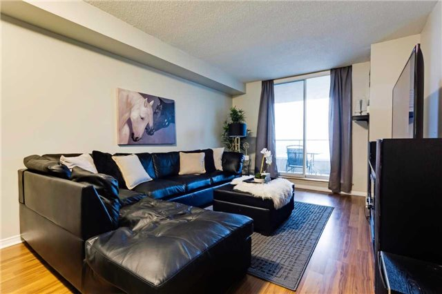 Condo Apartment at 400 Mclevin Ave, Unit 1805, Toronto, Ontario. Image 8