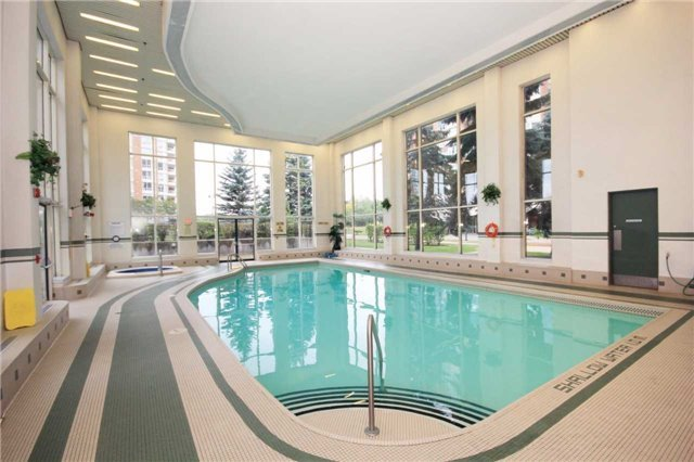 Condo Apartment at 400 Mclevin Ave, Unit 1805, Toronto, Ontario. Image 11