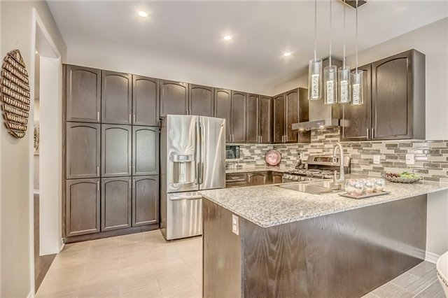Detached at 1583 Winville Rd, Pickering, Ontario. Image 3