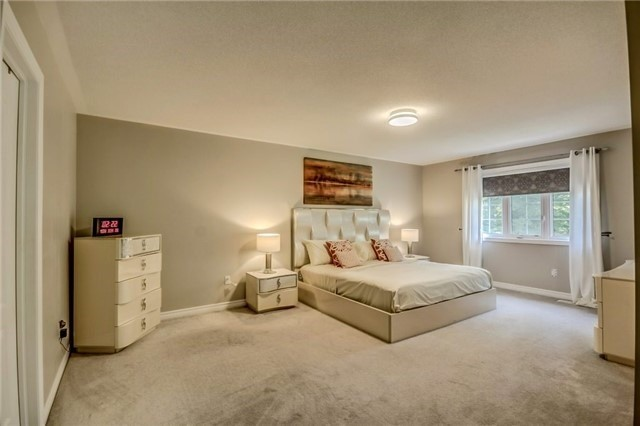 Detached at 1583 Winville Rd, Pickering, Ontario. Image 6